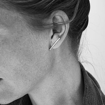 MILA T-BONE ear studs, medium silver