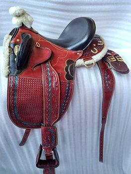 Stocksadel i läder med/utan horn inkl. tillbehör- Outback Superior