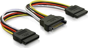 Deltaco Y-strömadapter för 15-pin SATA-ström, för 2 hårddiskar, 0,1m