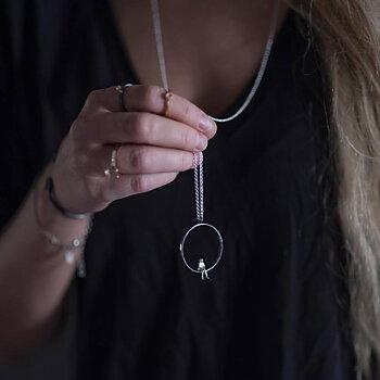 Halsband Egen Tid silver oxiderad 90 cm