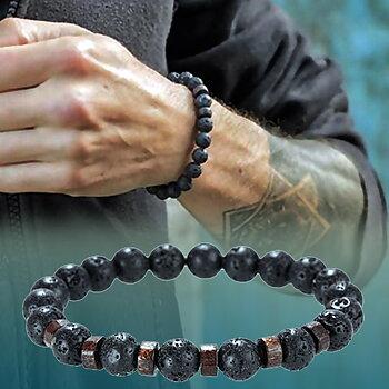 Armband med lavastenar och träpärlor