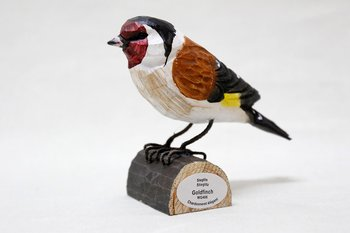European Goldfinch Wood 8x5x8 cm