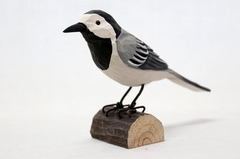 White Wagtail Wood 13x10x5 cm