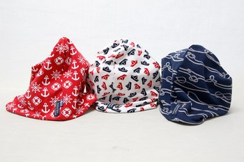 Beanie with motives of Boats - Knobs - Anchors