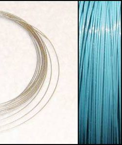 2,2m Wire 0,45mm: TURKOS Puder ljus Blått + 20 SP klämpärlor