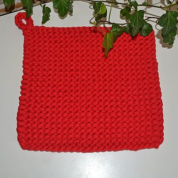 Grytlapp - stickad röd