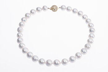 Large freshwater cultured pearl necklace with gold clasp 12-13mm