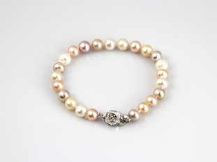 Fresh water pearl bracelet with rainbow color pearls