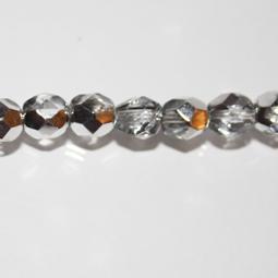 Fasetter i silver och crystal, 6 mm. Ca 12 cm sträng.