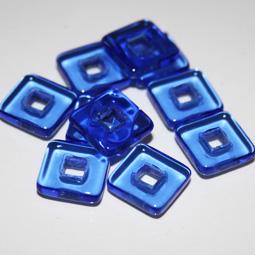 Fyrkantig rampärla utan hål, blå. 11,3 mm. 10-pack.