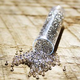 Silverline crystal rocaille, 11/0. 8 gram.