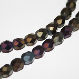 Fasetterade glaspärlor i matt metall, 6 mm.