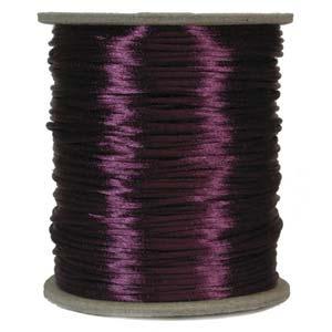 Plommonfärgat satinband, 2 mm. En meter.