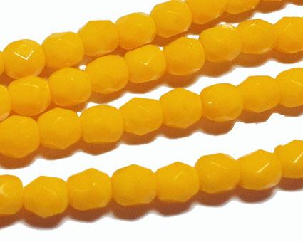 Pärlor färgsorterat