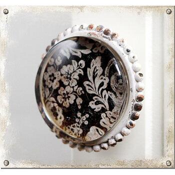 Stor porcelænsknop i glas med et shabby chic-look