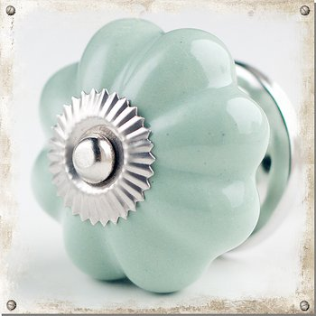 Monochromatic cabinet knob in porcelain, light green