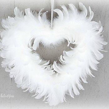 Hjärta Vita fjädrar  28 cm