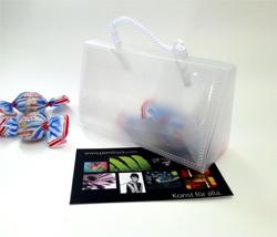 Miniatyrbag med plats för visitkort