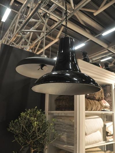 Industrilampa stor svart