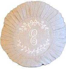 Kuddfodral rund Monogram linne shabby chic lantlig stil