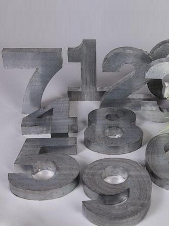 Siffror silvergrå metall