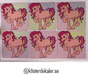 Miniatyrdekaler 6 söta Islandshästar