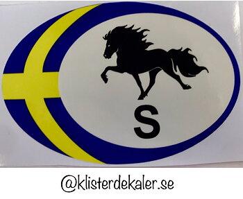 Bildekal. Oval med Sveriges flagga och Islandshäst