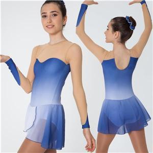 Långärmad blå klänning
