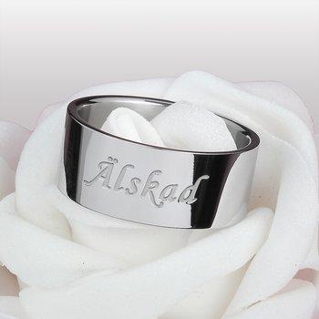 """Ring """"Älskad"""""""