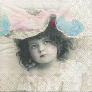 Flicka med hatt    Sa4028