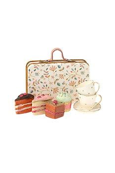 Maileg: Resväska med koppar och kakor