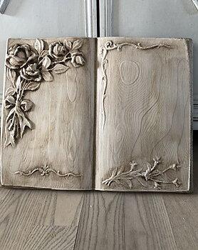 Gjutform stor bok med rosor