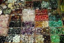 Kivet & Kristallit