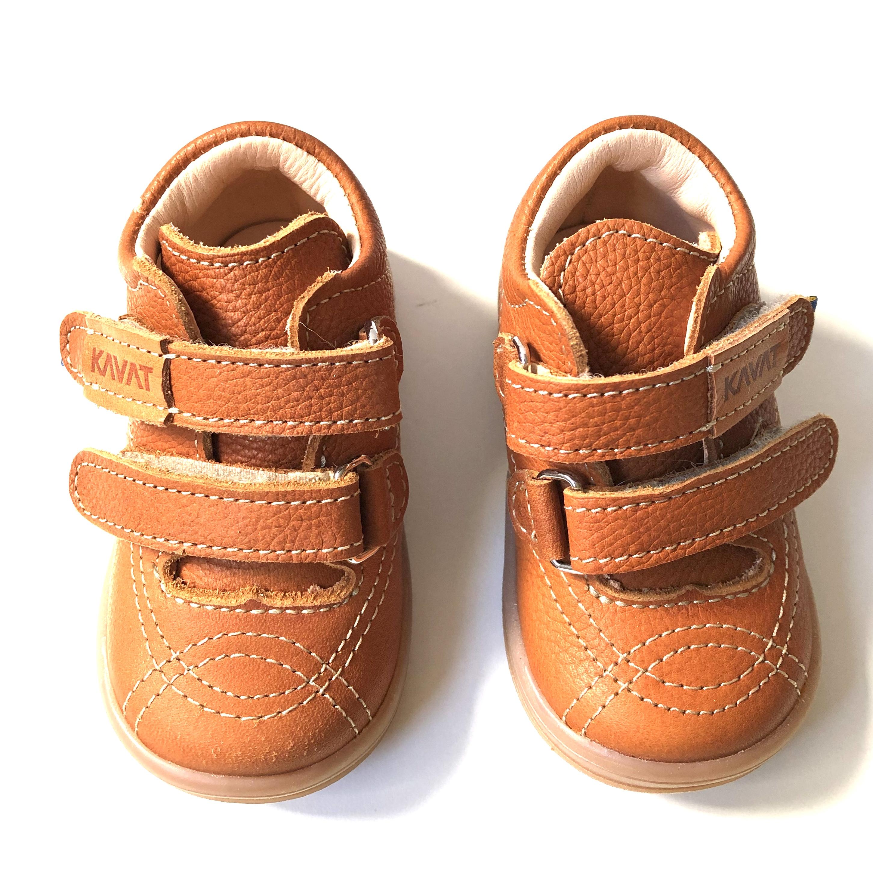 Smara EP ljusbrun ekologisk första sko med kardborre Kavat