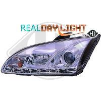 Ford.Focus.DRL = day running light.  Strålkastare med parkeringsljus i slinga...Ett par designstrålkastare