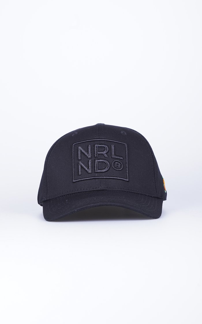 SQRTN NRLND 120 Keps Black