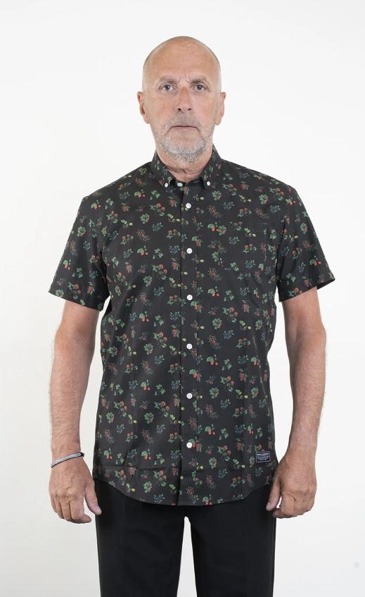 SQRTN Berry Shortsleeve Shirt Black