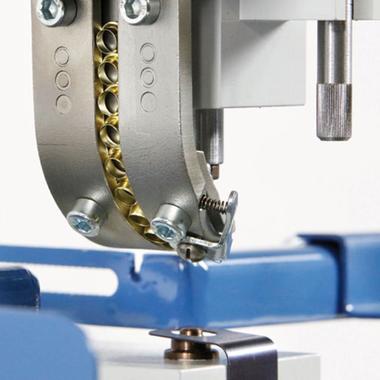 Hang PiccoStar 102-50 eyelettnig machine