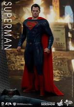 Hot Toys -  Dawn of Justice Superman Sixth Scale Figure