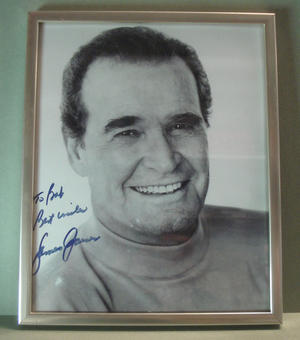 JAMES GARNER (Rockford) Signed photo in frame