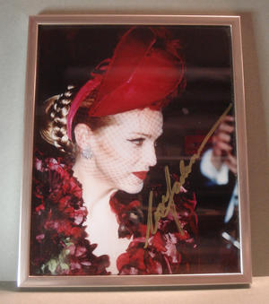 MADONNA - Signed photo in frame