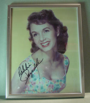 DEBBIE REYNOLDS Signed photo in frame