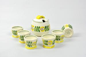 Marmelaadipurkki ja munakupit, 8 osaa  (MYYTY)