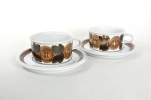 Teekupit ja alusvadit 2 kpl, Rosmarin, käsinmaalattu, UP(MYYTY)