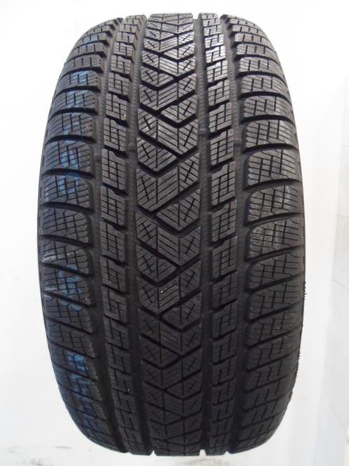 255 40 R21 Pirelli Scorpion Winter