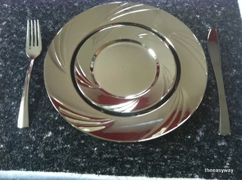 Round dinner plate in silver. 6 pieces