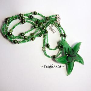 "L1:04 OOAK Halsband med handgjord Smaragdgrönt hänge i LampWork med Svart tecken - Necklace - Emerald Green LampWork Pendant ""Black Sign"" - Handmade Jewelry and Beadings by Ziddharta"