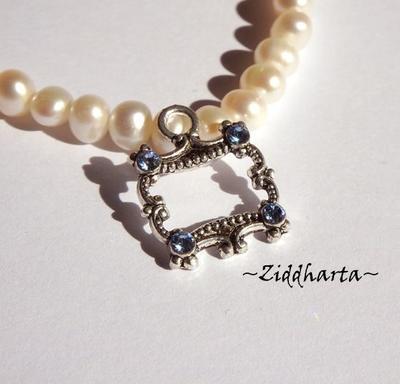 1 AS-hänge: Ornamenterad ram - Sapphire