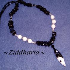 L5:159nn Rare - YinYANG - LampWork- Svart Onyx Sötvattenspärlor - Mellandelar med antiksilverfinish - halvädelstenss chips: Halsband med Swarovski Crystals - Necklace Handmade by Ziddharta