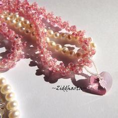 L3:107 Bubbelgum PINK Halsband / Necklace: Swarovski Lt Rose Heart Necklace - Handsewn Spiral DNA hand beaded rope Necklace - Handsytt smyckesrep av Miyukis glaspärlor